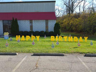 Yard Card - Birthday Cupcakes Lawn Greeting Rental Cincinnati Ohio