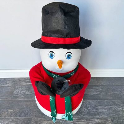 Mr Mrs Frosty the Snowman Snow Making Machine Rental Cincinnati Ohio